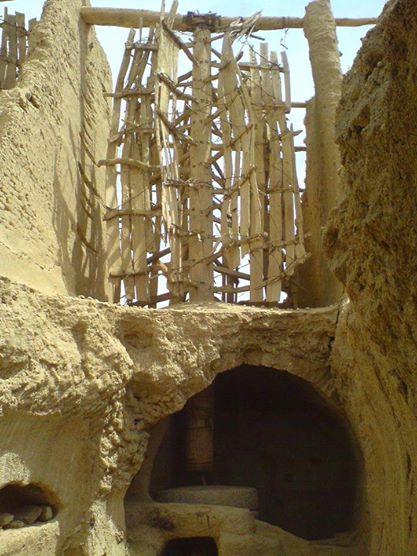 آثار نیاکان نشتیفان بدون متولی در حال تخریب و ویرانی است .
